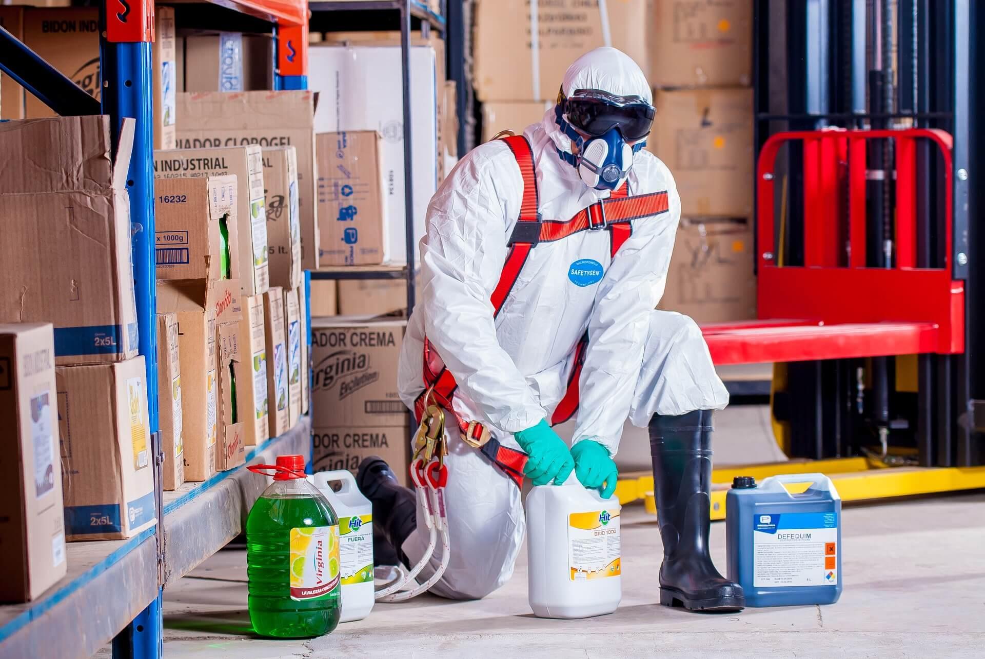 Przestrzeganie zasad bezpieczeństwa w miejscu pracy