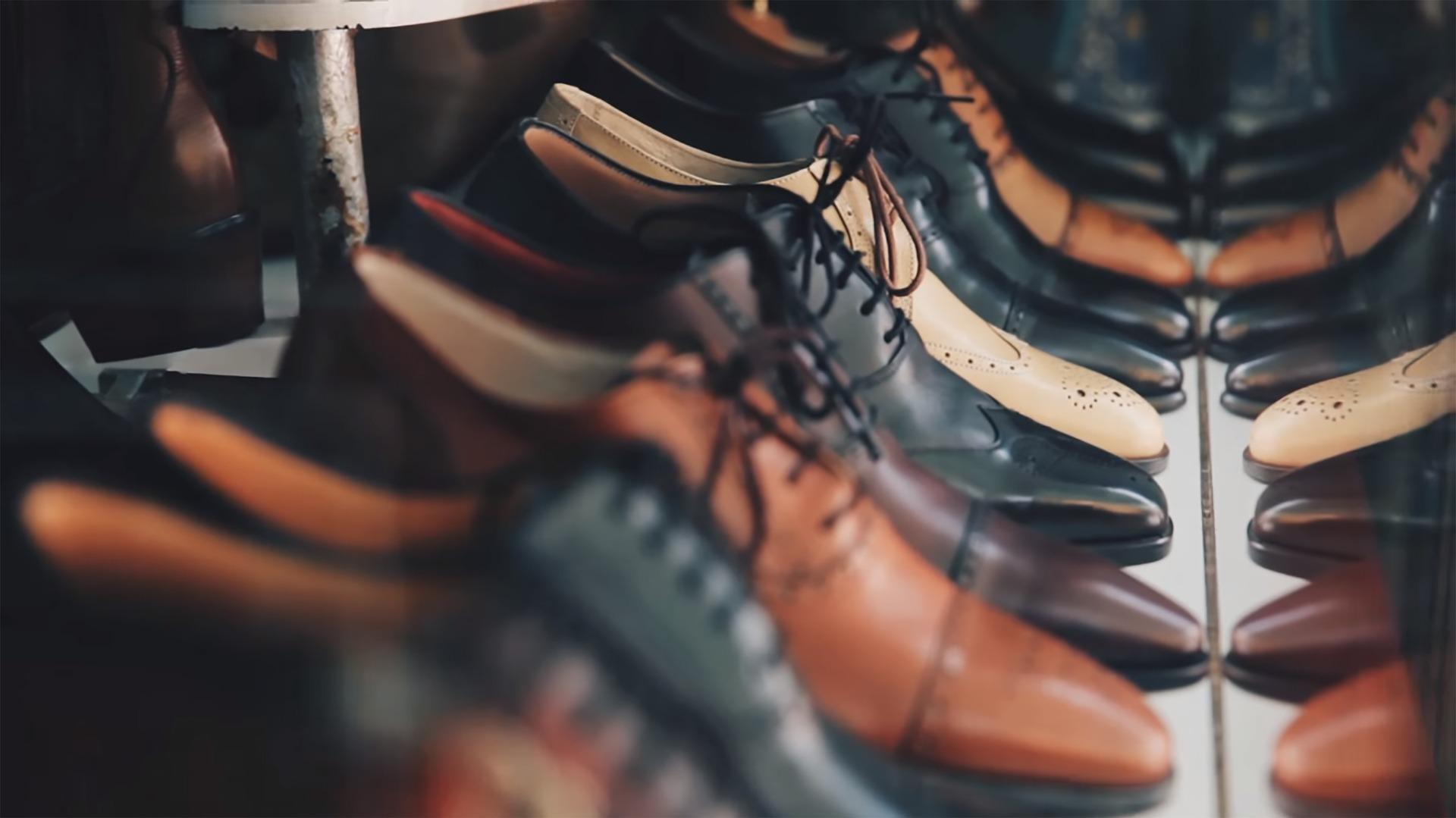 Ile par butów zabrać na wakacje?