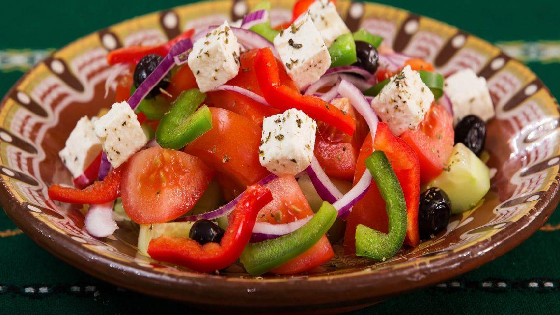 Sałatka grecka, prawie grecka